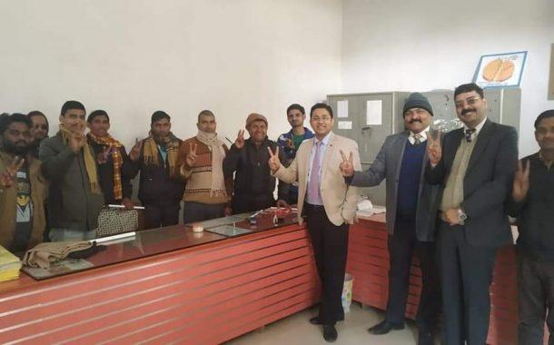 स्पेशल 3000 ने डॉक्टर विनय के लिए फूंका चुनावी बिगुल