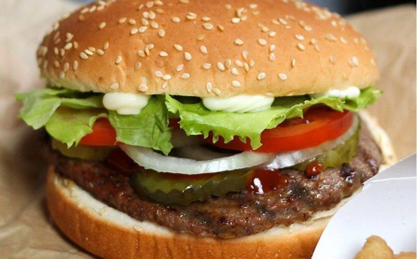 वेलेंटाइन वीक का धमाकेदार ऑफर: एक्स की तस्वीर ले जाकर खाएं फ्री बर्गर