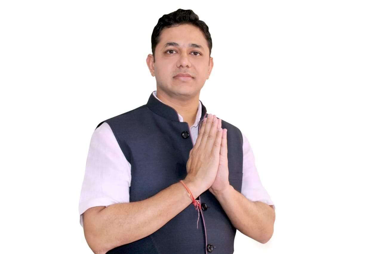 प्रतिद्वंद्वियों का भितरघात विनय को एमएलसी चुनाव में दिलाएगा लाभ