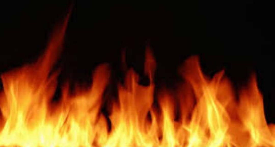 कोविड अस्पताल में आधी रात को लगी आग, आठ मरीजों की मौत