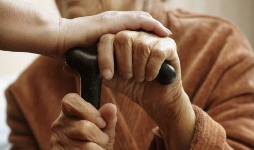 शारीरिक संबंध बनाते समय बेहोश हुआ 72 वर्षीय बुजुर्ग, फिर हो गया यह…। कौन थी वो, यह जानकर पुलिस भी हो गई हैरान