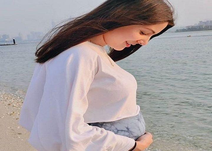 अनुष्का शर्मा ने पोस्ट की बेबी बंप की तस्वीर, जानिए विराट कोहली ने क्या लिखा ट्वीट में