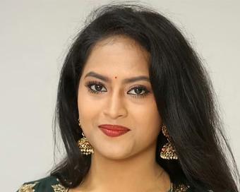 तेलुगु अभिनेत्री श्रावणी ने की आत्महत्या, वजह जानकर आप भी हो जाएंगे हैरान