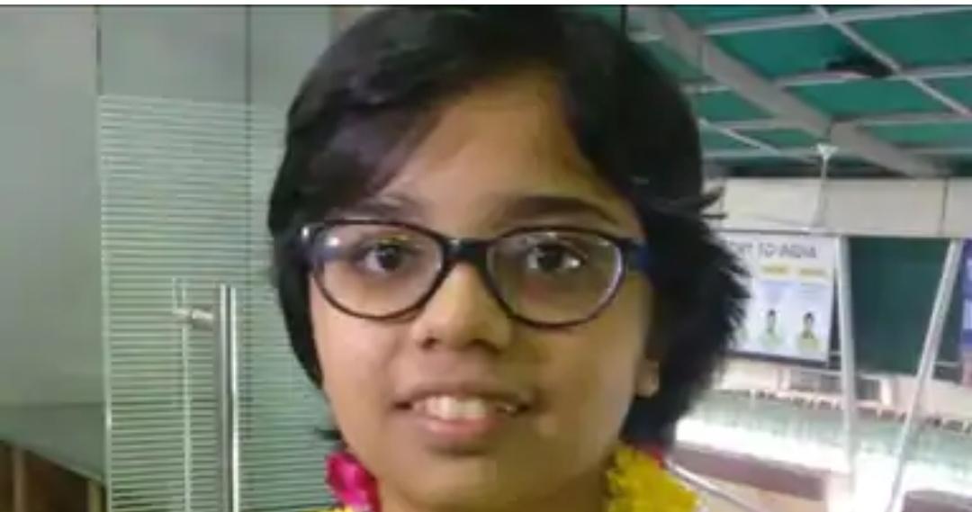 जेईई एडवांस्ड के रिजल्ट में कनिष्का मित्तल ने बालिका वर्ग में किया ऑल इंडिया टॉप। फोटो स्टेट की दुकान चलाते हैं पिता।